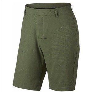 Nike Dri-Fit Standard Fit Striped Golf Short Green